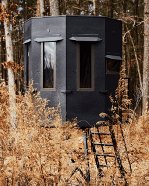 deer stands and hunting blinds