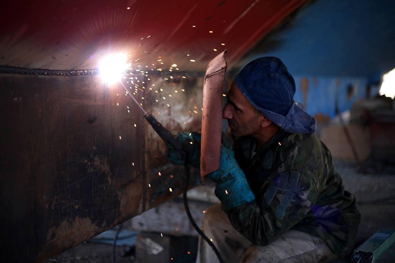 welder with welding rod